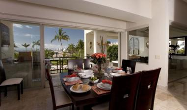 Puerto Vallarta, Beachfront luxury with largest pool in old town, Romantic Zone